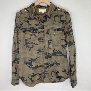 UO | Staring at Stars Camo Button Down sz S